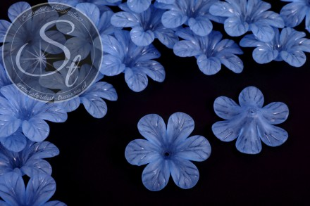 5 pcs. blue lucite-flowers frosted 30mm-31