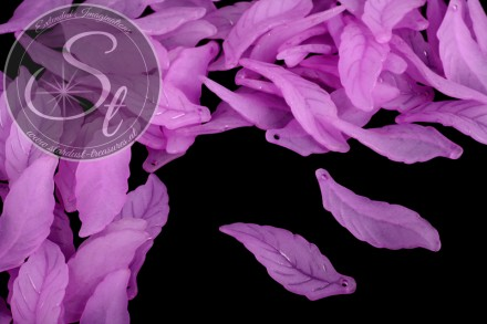 10 pcs. rose-lilac lucite-leaves frosted 39mm-31