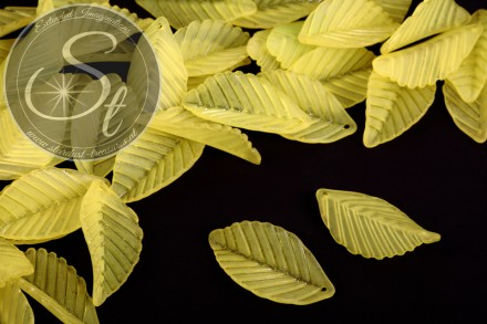 10 pcs. yellow acrylic-leaves frosted 35mm-31
