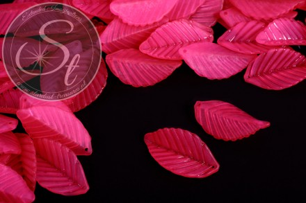 10 pcs. pink acrylic-leaves frosted 35mm-31