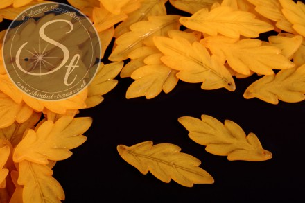 10 pcs. orange lucite-leaves frosted 43mm-31