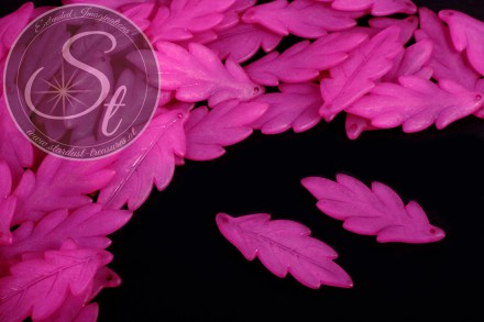 10 pcs. pink lucite-leaves frosted 43mm-31