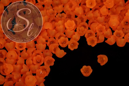 20 pcs. orange acrylic-flowers frosted 10mm-31
