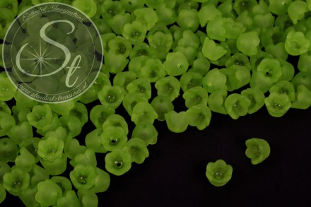 20 pcs. green acrylic-flowers frosted 10mm-31