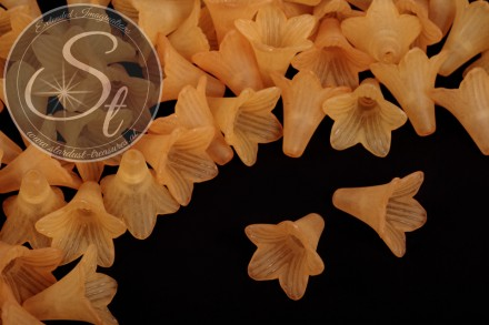 5 pcs. orange lucite-flowers frosted 23mm-31