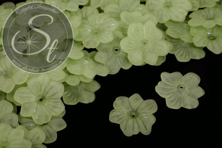 10 pcs. green lucite-flowers frosted 30mm-31