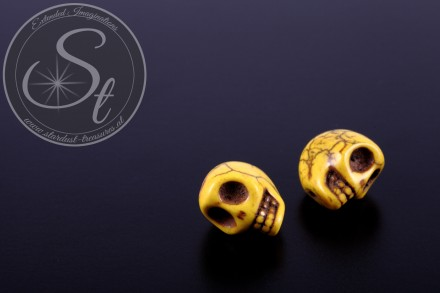 2 pcs. yellow skull turquoise beads 13mm-31