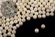 40 pcs. light-cream + cream-colored wax glass beads 6mm-20