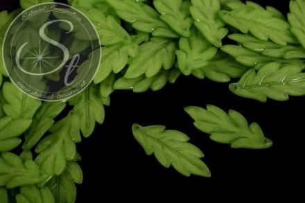 10 Stk. grüne Lucite-Blätter frosted 43mm-31