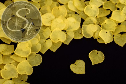20 Stk. gelbe Lucite-Blätter frosted 16mm-31