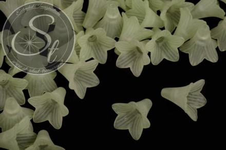 5 Stk. hellgrüne Lucite-Blüten frosted 23mm-31