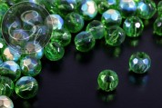 20 Stk. dunkelgrüne runde facettierte Electroplate Glasperlen 6mm-20