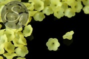 10 Stk. gelbe Acryl-Blüten frosted 21mm-20
